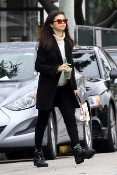 Selena_Gomez_-_Out_and_about_in_Los_Angeles_on_Feb_21-18.jpg  Click image to close this window