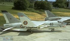 1972, a French Marine Nationale Vought Crusader of 12F-40 carries a R.530 missile.