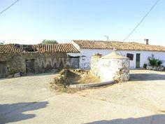 Moradia para Restaurar T2 / Loulé, Ameixial - Casa para restaurar localizada a poucos minutos de aldeia típica Algarvia. Zona calma.