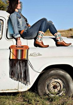 Handmade purses by Western Skies Handmade.  Shop a selection of ready-to-ship styles or place a custom order.