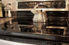 Clean your glass cooktop on your stove