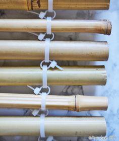 Bambus Sichtschutz selber bauen - DIY Balkon Idee - Aye, Aye DIY Small Room Interior, Interior Room Decoration, Interior Decorating, Diy House Projects, Backyard Projects, Garden Projects, Diy Sauna, Diy Balkon, Bamboo Construction