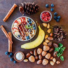 Cinnanutty Açaí Bowl made with delicious Sambazon Açaí, nut milk and cinnamon. Acai Recipes, Crunchy Granola, Acai Berry, Fresh Fruit, Food Art, Acai Bowl, Berries, Breakfast