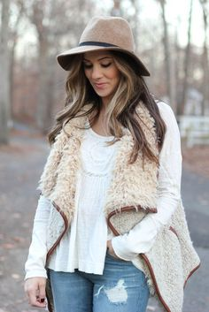 Nursing friendly fashion, Rack Room Shoes, lugged sole booties, faux fur vest, Free People lace top, distressed boyfriend jeans @myrackroomshoes #ad
