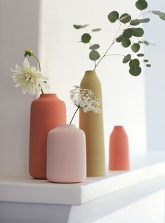 Shop from a wide range of wooden, ceramic flower vase, metal and glass flower vase . Long Metal Vase for Living Room, Home Decoration Shabby, Keramik Design, Anthropologie Home, Anthropologie Furniture, Pastel Colour Palette, Pastel Colours, Keramik Vase, Summer Photos, Arte Floral
