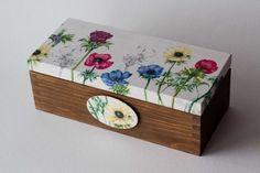Wiosenna herbaciarka, szkatułka - kwiaty. w Urocze Dodatki na DaWanda.com