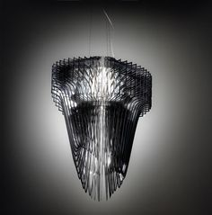 Лучшее с Euroluce 2013: новые светильники Захи Хадид    На выставке Euroluce в рамках Миланского мебельного салона компания Slamp представи�...
