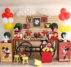 Mickey e minie Theme Mickey, Fiesta Mickey Mouse, Mickey Mouse Clubhouse Birthday Party, Mickey Mouse Parties, Mickey Birthday, Mickey Party, Birthday Party Themes, Instagram, Google