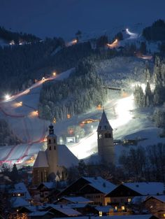 The Hahnenkamm in Kitzbühel, Austria is the World Cup's most dangerous race weekend—and its loudest, rowdiest, and craziest party. Beautiful Scenery, Most Beautiful Pictures, Cool Pictures, Ski Europe, Melk Austria, Austria Winter, Winter Photos, In The Heights, Airplane View
