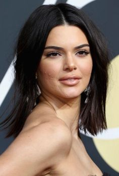 The likes of Margot Robbie, Gal Gadot and Kendall Jenner are our latest hair inspiration for a new take on short hair. This is how you'll be wearing your hair in Kendall Jenner Acne, Kendall And Kylie, Kylie Jenner, Short Hair Trends, Short Hair Styles, She Quotes Beauty, Divas, Celebrity Bobs, Cabello Hair