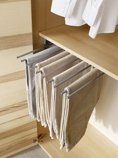Funktionalität im Schrank: Hosenauszug Cabinet Furniture, Organization, Bedroom, Closet, Home Decor, Ad Home, Getting Organized, Organisation, Armoire