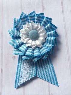 ロゼットブローチ。 Ribbon Rosettes, Ribbon Art, Ribbon Crafts, Corsage Pins, Corsages, How To Make Rosettes, Diy And Crafts, Arts And Crafts, Picture Composition