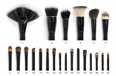 Professional makeup brushes are the best makeup brushes available on the market today. They are perfectly used in bronzing and removing makeup