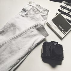 Mid rise white jeggings Stark white midrise white jeggings. The waist is  13 inches. The inseam is 27 inches. Pants Skinny