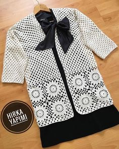 Selamm # friends # 🤩 # finally # the cardigan # Recipe # # Crochet Squares, Crochet Granny, Crochet Top, Crotchet Dress, Crochet Cardigan, Baby Knitting Patterns, Crochet Patterns, Gilet Crochet, Crochet Rabbit
