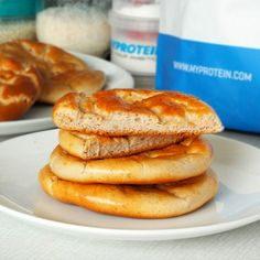 Fitness toasty ve vaječném županu Healthy Sweets, Healthy Recipes, Cloud Bread, Sweet Recipes, Healthy Life, Protein, Food And Drink, Low Carb, Fitness