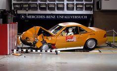 Mercedes-Benz 300 SL (R 129, 1989 bis 2001), erste Generation (1989-1995). Crashtest.