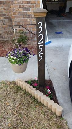 15 Creative House Number Ideas to Improve Curb Appeal - Make your own front yard house number ideas with these easy ideas! DIY address plaques are easy projects you can do in an afternoon.