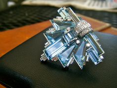 Cartier Diamond & Aquamarine Art Deco Brooch / Dress Clip via Walton's Jewelry Bijoux Art Deco, Art Deco Jewelry, Fine Jewelry, Jewelry Design, Cartier Jewelry, Antique Jewelry, Vintage Jewelry, Jewellery, Art Nouveau