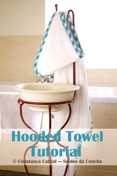 Na semana passada mostrei-vos como faço fita de viés — hoje vamos ver como aplicá-la. Fiz uma toalha de banho para o bebé (aquele mo...