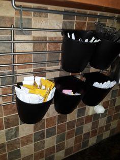 More kitchen storage without drilling into tile backsplash (via Bloglovin.com )