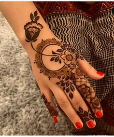 Mehndi henna designs are searchable by Pakistani women and girls. Women, girls and also kids apply henna on their hands, feet and also on neck to look more gorgeous and traditional. Easy Mehndi Designs, Henna Hand Designs, Dulhan Mehndi Designs, Latest Mehndi Designs, Mehendi, Bridal Mehndi Designs, Mehandi Designs, Mehndi Designs Finger, Arabic Henna Designs
