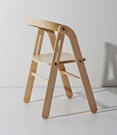 Furniture: Lisa Hilland