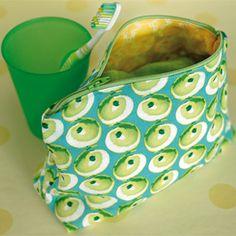Leuke-spullen-tasje > KVLV > Zo gemaakt Sewing Tutorials, Diy And Crafts, Have Fun, Lunch Box, Felt, Wool, Stitch, Crochet, How To Make