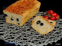 Moje Małe Czarowanie: Chleb pszenny z oliwkami