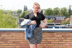 Girl Problems   Grote Borsten en Strakke Blousjes   Kim ter Stege