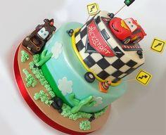 Torta decorata Saetta McQueen - Torte decorate per bambini. Ordina una torta Online. Torte a domicilio