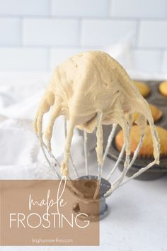 This Maple Frosting is rich and creamy and the perfect addition to cakes, cupcakes, cookies or cinnamon rolls. It tastes just like fall. Maple Fudge, Maple Cake, Cinnamon Roll Frosting, Cinnamon Rolls, Cinnamon Cupcakes, Cinnamon Desserts, Cinnamon Muffins, Cinnamon Cake, Cinnamon Recipes