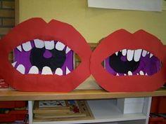 www.jufjanneke.nl   Tanden & kiezen (lesideeën) Superhero Logos, Health, Artwork, Tela, Art Kids, Health Education, Teeth, Paper Board, Projects