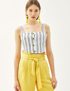Button-up linen top - Tops - Bershka United Kingdom Cute Outfits With Shorts, Crop Top Outfits, Look Fashion, Urban Fashion, Fashion Outfits, Bershka Outfit, Striped Top Outfit, Island Outfit, Look Girl