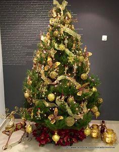 Arbol de Navidad y decoracion navideña Christmas Tree, Holiday Decor, Home Decor, Templates, Christmas Decor, Merry Christmas, Teal Christmas Tree, Decoration Home, Room Decor