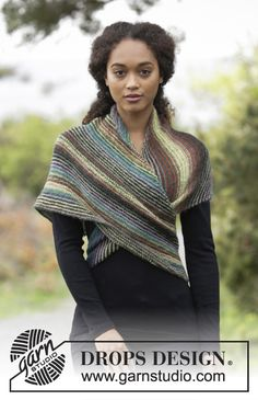 Herbs & Spices / DROPS - Knitted shawl worked diagonally with garter stitch and stripes. Piece is knitted in DROPS Delight. Schals Streifen Herbs & Spices / DROPS - Free knitting patterns by DROPS Design Outlander Knitting Patterns, Lace Knitting Patterns, Free Knitting, Capelet Knitting Pattern, Finger Knitting, Scarf Patterns, Poncho Crochet, Knitted Shawls, Lace Shawls