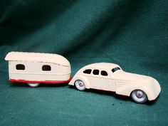 icollect247.com Online Vintage Antiques and Collectables - tin windup car and travel trailer german 1930s Toys-Wind ups Antique Toys, Vintage Toys, Vintage Antiques, 1950s Toys, Retro Campers, Selling Antiques, Park Avenue, Tin Toys, Scale Model