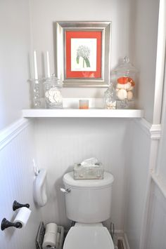 White bathroon with a Pop of color