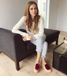 Saying hello to all the great adventures ahead in her new house ❤️ @chiaraferragni #josefinasportugal #sneakers #chiaraferragni