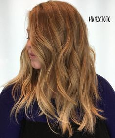 Peinado ondulado medio entrecortado