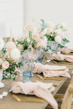 Rustic chic pink and blue tabletop with pastel centerpieces. Photo: @lindseytaylorphotography Pastel Wedding Colors, Centerpieces, Table Decorations, Rustic Chic, Spring Wedding, Tablescapes, Table Settings, Wedding Inspiration, Romantic
