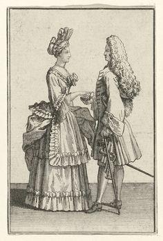 anoniem   Staande vrouw en man met snuifdoos, possibly Bernard Picart, 1683 - 1733   De vrouw is gekleed in een manteau met engageantes, waarvan ze de sleep met de linkerhand ophoudt. Onder de manteau een rok met sierschort, beide afgezet met een aangerimpelde strook. Fontangekapsel en parelsnoer om de hals. De man met allongepruik draagt een justaucorps met brede manchetten over een jabot. Kniebroek met lange kousen en schoenen met gespen.  Accessoires: hoed onder de arm, sierdegen met…