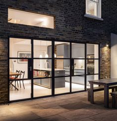 Slot House by AU Architects remodels a London end of-terrace house through the introduction of natural light, volume and the visual connection of new spaces with the existing. AUA has remodeled an end of terraced house to provide a greater Continued Healthy Snacks For Kids, Healthy Foods To Eat, Decks, Cake Aux Raisins, Architecture Antique, Las Vegas, Slot Machine Cake, Behance, Vintage Design