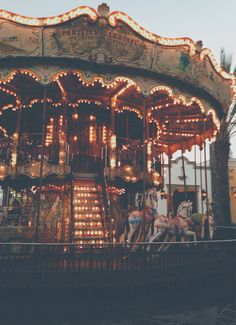 Carrousel uploaded by Jackie on We Heart It Carrousel, Fun Fair, Retro Aesthetic, Circus Aesthetic, Aesthetic Pictures, Belle Photo, Aesthetic Wallpapers, Beautiful Places, Around The Worlds
