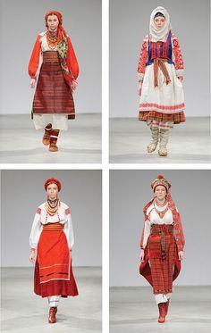 Известные украинки стали участниками благотворительного фотопроекта 'Щирі', надев на себя старинные украинскиие костюмы. В студии Дмитрия Перетрутова были воссозданы ретро-образы XIX-начала ХХ столетия из разных регионов страны.