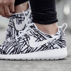 Ready for the weekend in our Roshe one print #AteazeEverywhereYouAre  #sneakerhead #sneakergame #igsneakercommunity #teamcozy #spring2016 #footwear #shoegame #streetstyle #streetwear #thesix #toronto #fashion #snobshots #highsnobiety #hypefeet #hypebeast #kicks #kickstagram #shoes #todayskicks #sneakershouts #fresh #sneakerporn #solecollector #kicks0l0gy #kicksonfire  #wdywt