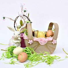 How To Make An Easter Basket For Your Spring Treats