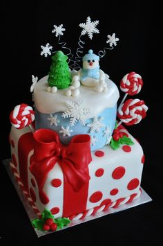 1325486153.JPG — Holiday Cake Contest 2011