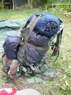 DIY MOLLE Cargo frame plus modified MOLLE Vest as cargo panel