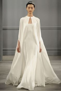 10 Modern & Minimal Wedding Gowns: Monique Lhuillier